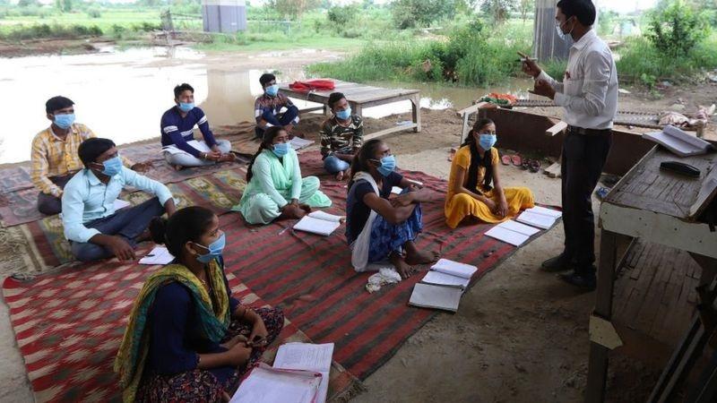 مدرسه روستایی هند