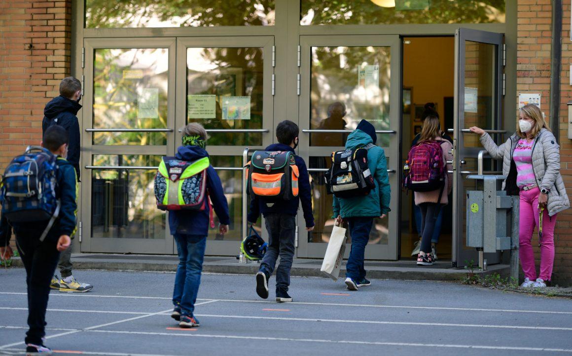 مدارس آلمان در دوران شیوع کرونا