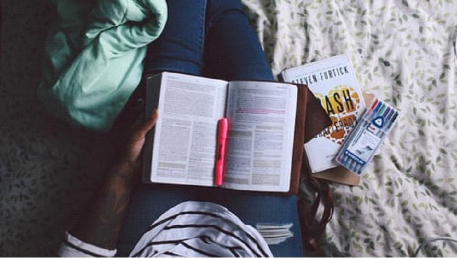 درس خواندن با موبایل